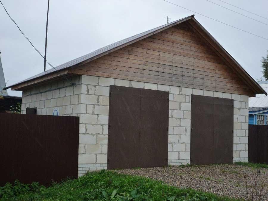 Как построить гараж. Какой материал лучше?