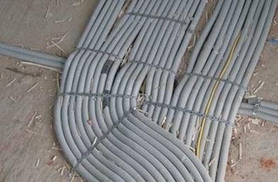 Укладка электрического кабеля в трубе