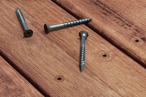 Устранить скрип деревянных полов: методы